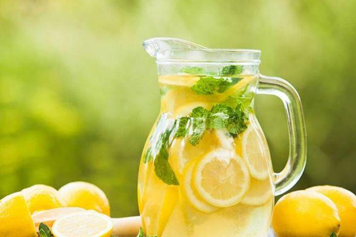 Selain Segar, Minum Air Lemon di Pagi Hari Punya Khasiat Hebat